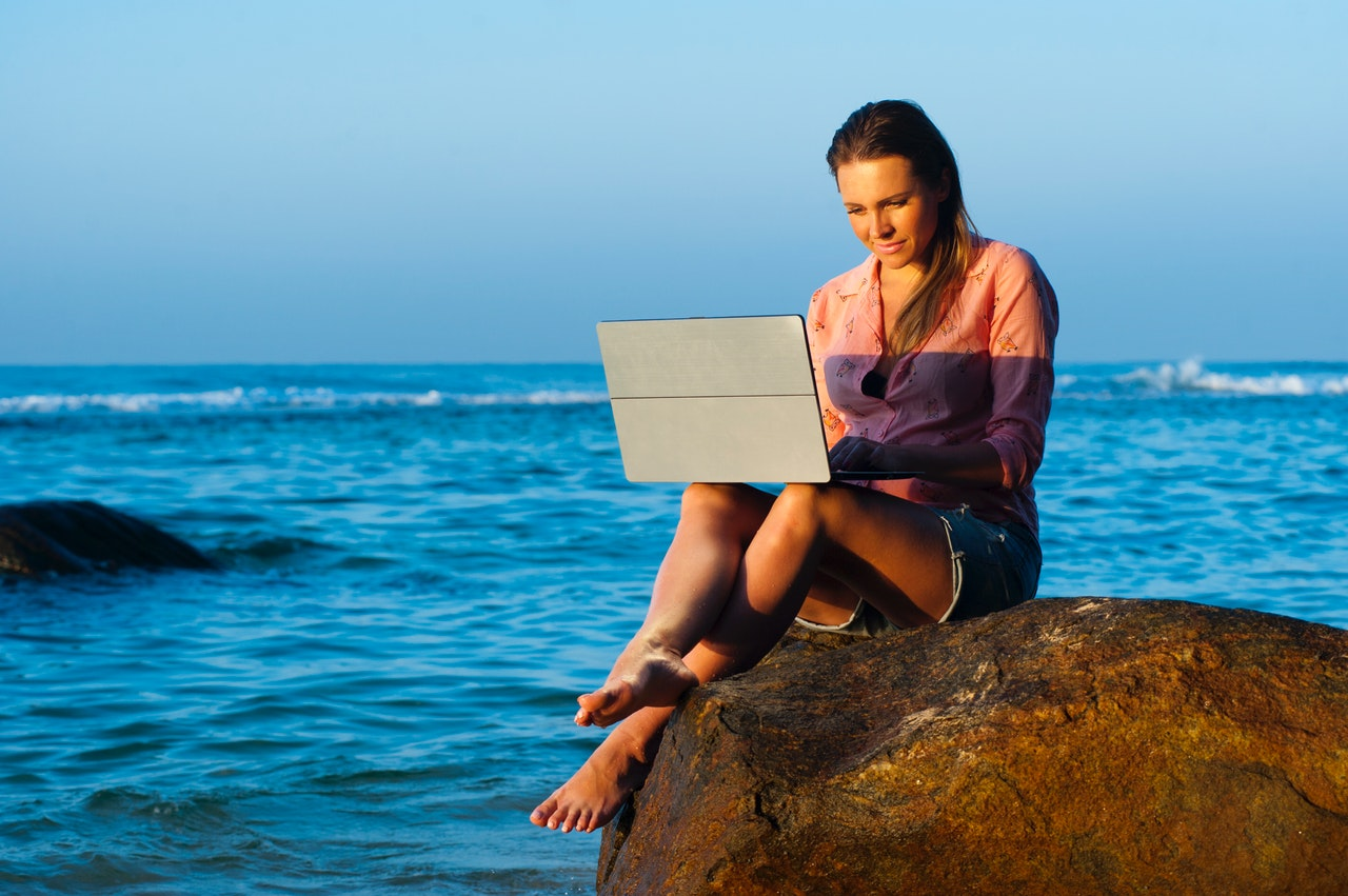 strand-laptop