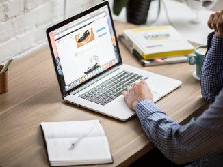 Virksomhed drevet på computer